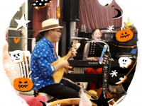 ポケットで月2回ウクレレ教室をされている荒田伸一郎先生 毎月第3木曜日はMIKIさんとハワイアンライブを開催してます♪
